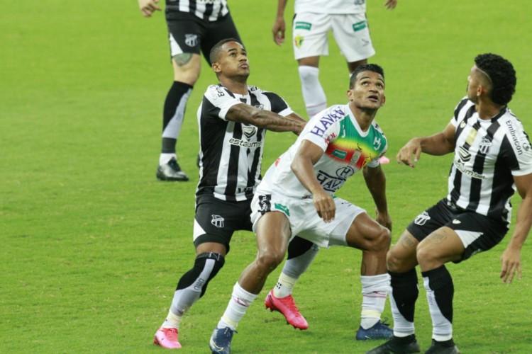 Ceará recebeu o Brusque no Castelão pela Copa do Brasil (Foto: Júlio Caesar / O POVO)