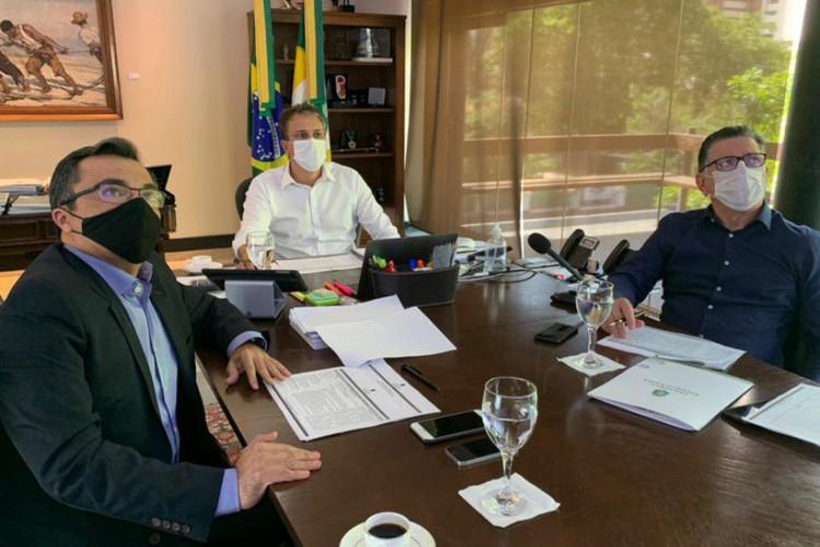 Governador pontuou que casos e mortes por Covid-19 no Estado seguem em queda contínua (Foto: Reprodução/Twitter)