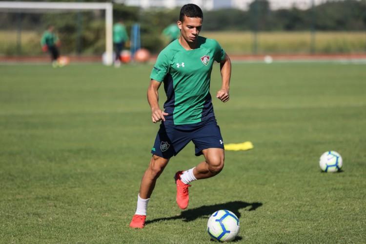 Calegari, jogador da titular do time de Odair Hellmann, está com Covid-19  (Foto: Lucas Merçon/Divulgação/Fluminense)