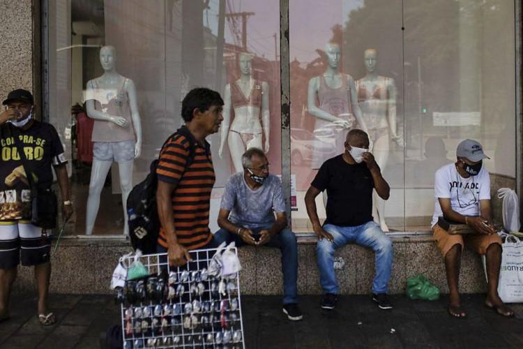 Movimentação nas ruas de Manaus. (Foto: Reuters/Bruno Kelli /Direitos Reservados)
