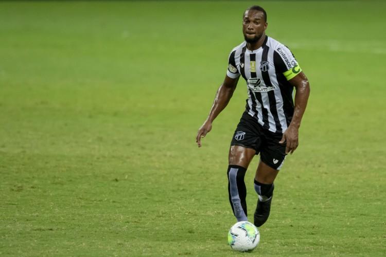 Luiz Otávio é titular absoluto do sistema defensivo do Ceará em 2020 (Foto: Aurélio Alves)