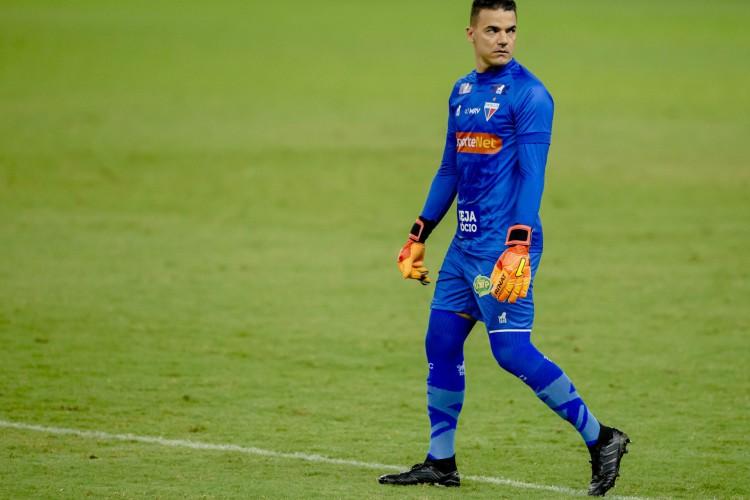 Felipe Alves, goleiro do Fortaleza, durante jogo do Campeonato Brasileiro na Série A  (Foto: Aurelio Alves/ O POVO)