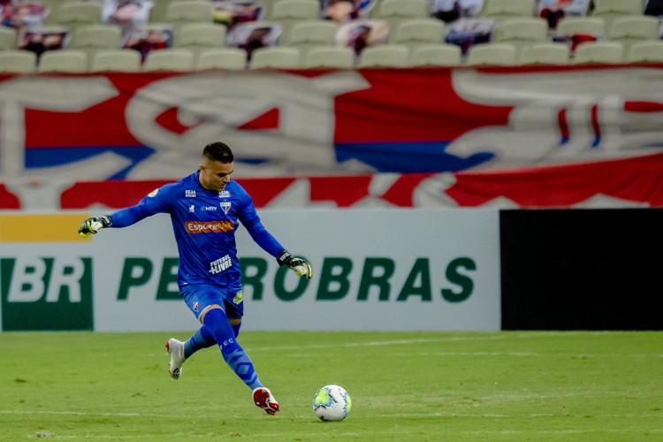 Felipe Alves atuou como um líbero em toda a era Rogério Ceni no Fortaleza  (Foto: Aurelio Alves/ O POVO)
