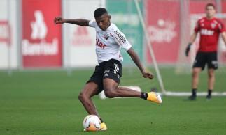 São Paulo visita River em jogo decisivo para seguir na Libertadores