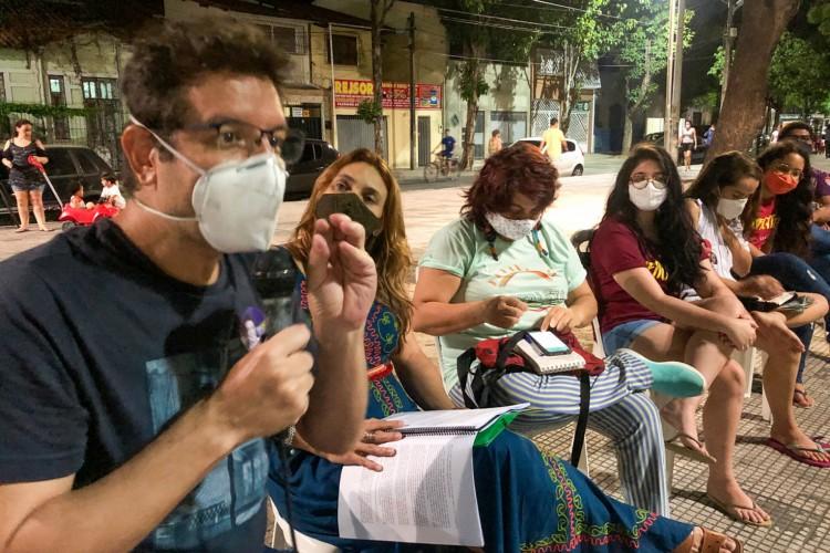 Renato Roseno promoveu roda de conversa na Praça da Gentilândia, no bairro Benfica (Foto: Divulgação)