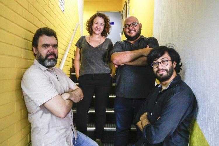 Cinthia Medeiros Marcos Sampaio, PH Santos e Renato Abê debatem sobre as redes sociais no 30° episódio do Podcast Vida&Arte. (BARBARA MOIRA/ O POVO) (Foto: Barbara Moira)