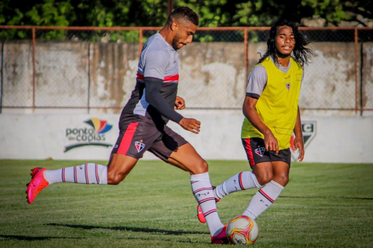 Willian Lira durante treino do Ferroviário visando duelo contra Santa Cruz (Foto: Lenilson Santos / Ferroviário Atlético Clube)