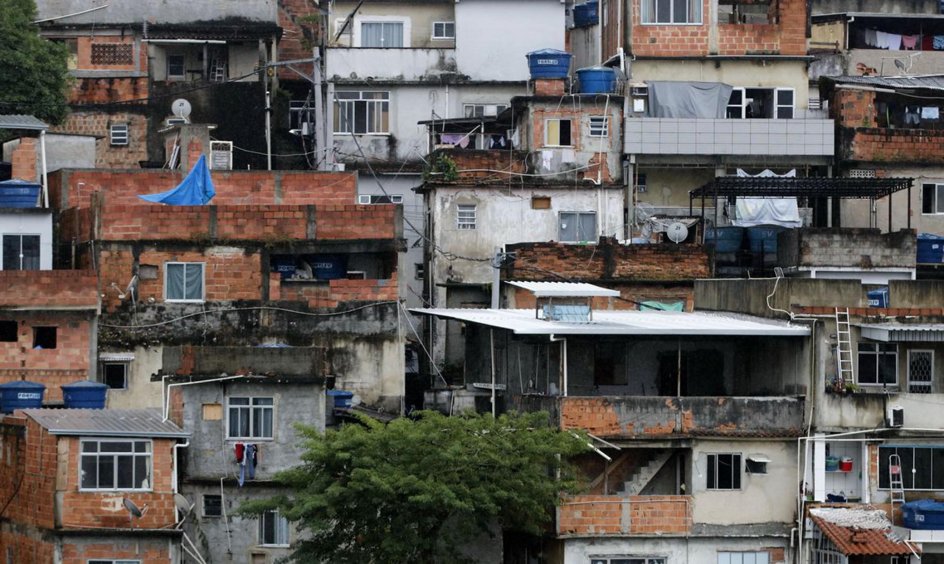 Vista geral da favela Morro Azul, na zona sul do Rio de Janeiro.  A iniciativa surgiu da coordenação entre duas favelas do Rio de Janeiro, duas de São Paulo e seis de outras regiões (Foto: Tânia Rêgo)