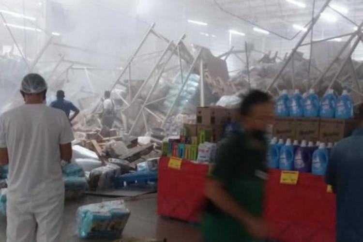 Desabamento de prateleiras em supermercado no Maranhão deixa uma pessoa morta e uma série de feridos (Foto: Reprodução redes sociais)