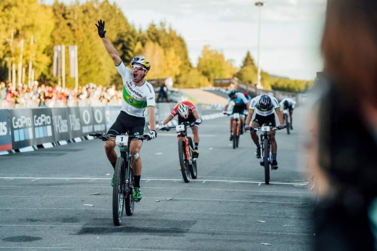 Histórico: Henrique Avancini vence prova olímpica de Mountain Bike (Foto: )
