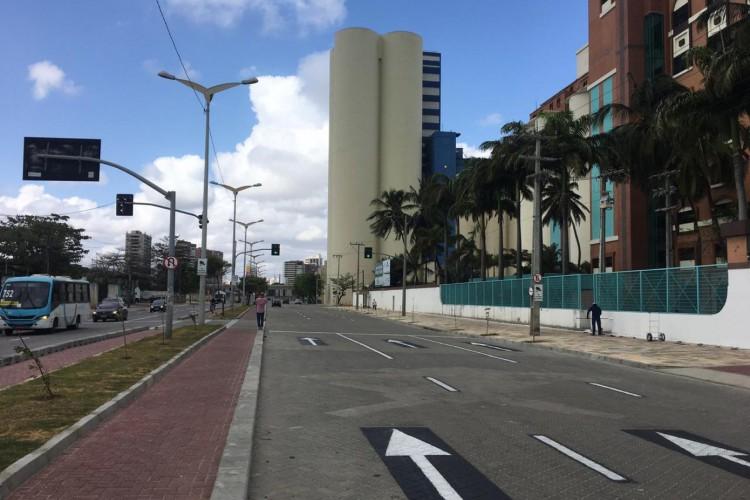 05.10.2020-FORTALEZA-Entrega da avenida Vicente de Castro, no bairro Cais do Porto, após obras de requalificação. (Foto: Thais Mesquita/O Povo)