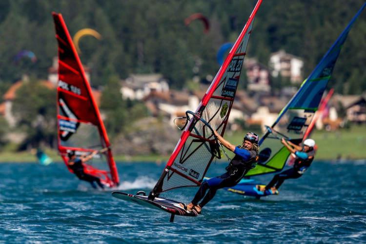 Vanora Engadinwind by Dakine 2020, Silvaplana, Switzerland...Formula Foil World Championship...With a record field of participants, It is the most important and largest foil competition in 2020 with 200 participants from 33 nations. 20 August, 2020..© Sailing Energy / Engadinwind 2020 (Foto: Sailing Energy)