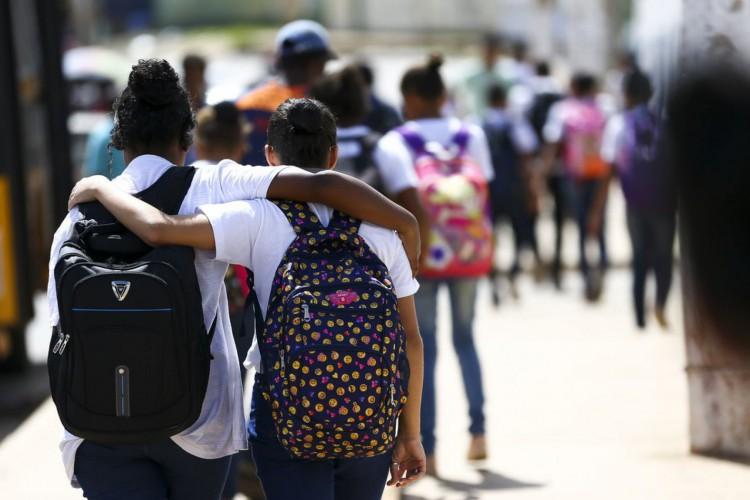 Alunos das classes A/B tiveram mais atividades e estiveram mais envolvidos em atividades escolares (Foto: Marcelo Camargo/Agência Brasil)
