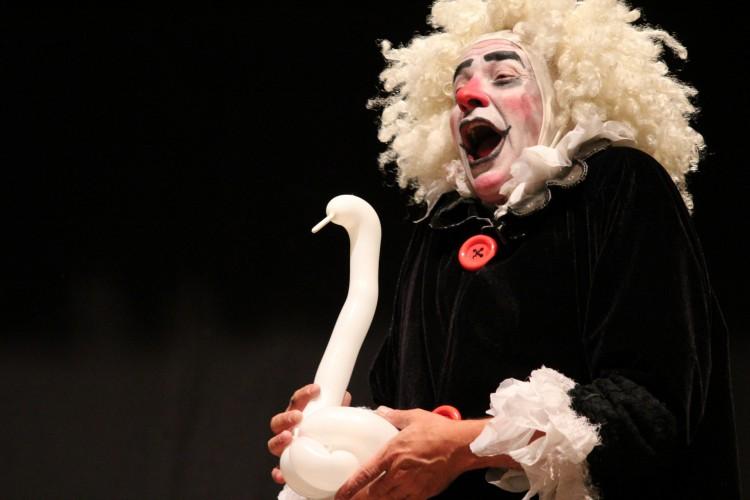 Palhaço Tomate se apresenta em live do Festival Internacional de Teatro Infantil do Ceará (Foto: Cristiane Fontinha)