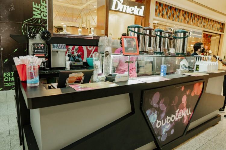 A franquia Bubblekill no Shopping Rio Mar é um exemplo do crescimento de franquias de baixo investimento no País. (Foto: JÚLIO CAESAR)