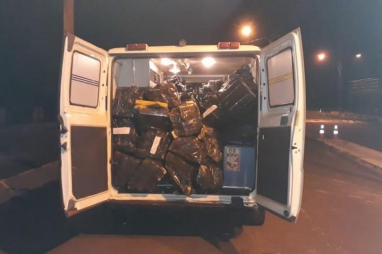 Droga seria transportada para outra região (Foto: PRF/ Divulgação)