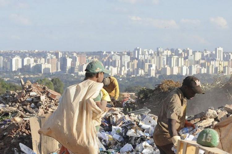 Auxílio emergencial reduziu a pobreza em 23%  (Foto: )