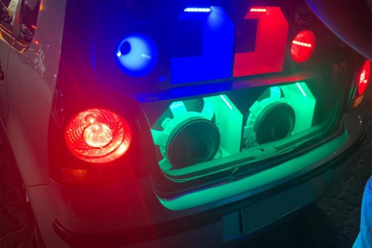 Carros foram apreendidos durante operação de que visava verificar desrespeito ao Decreto Estadual.  (Foto: Foto: Asscom/SSPDS)