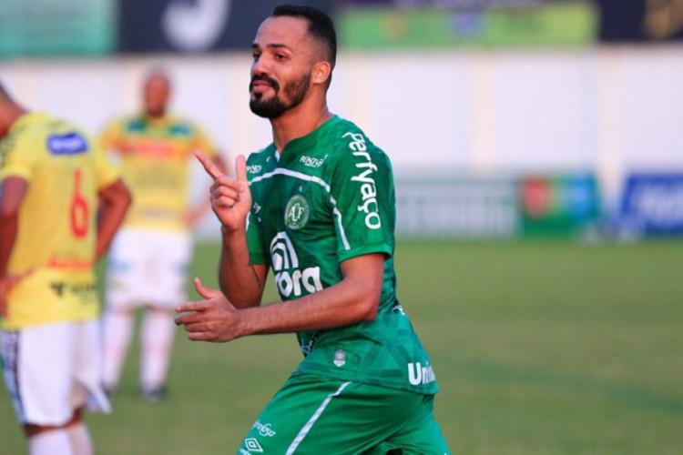 Anselmo Ramon tem passagens por Cruzeiro, Avaí, Vitória, futebol chinês e agora está na Chapecoense  (Foto: Márcio Cunha/ACF/Divulgação )