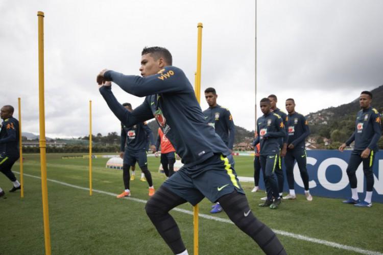 Thiago Silva vestirá a braçadeira de capitão da Seleção Brasileira diante do Peru (Foto: Lucas Figueiredo/CBF)