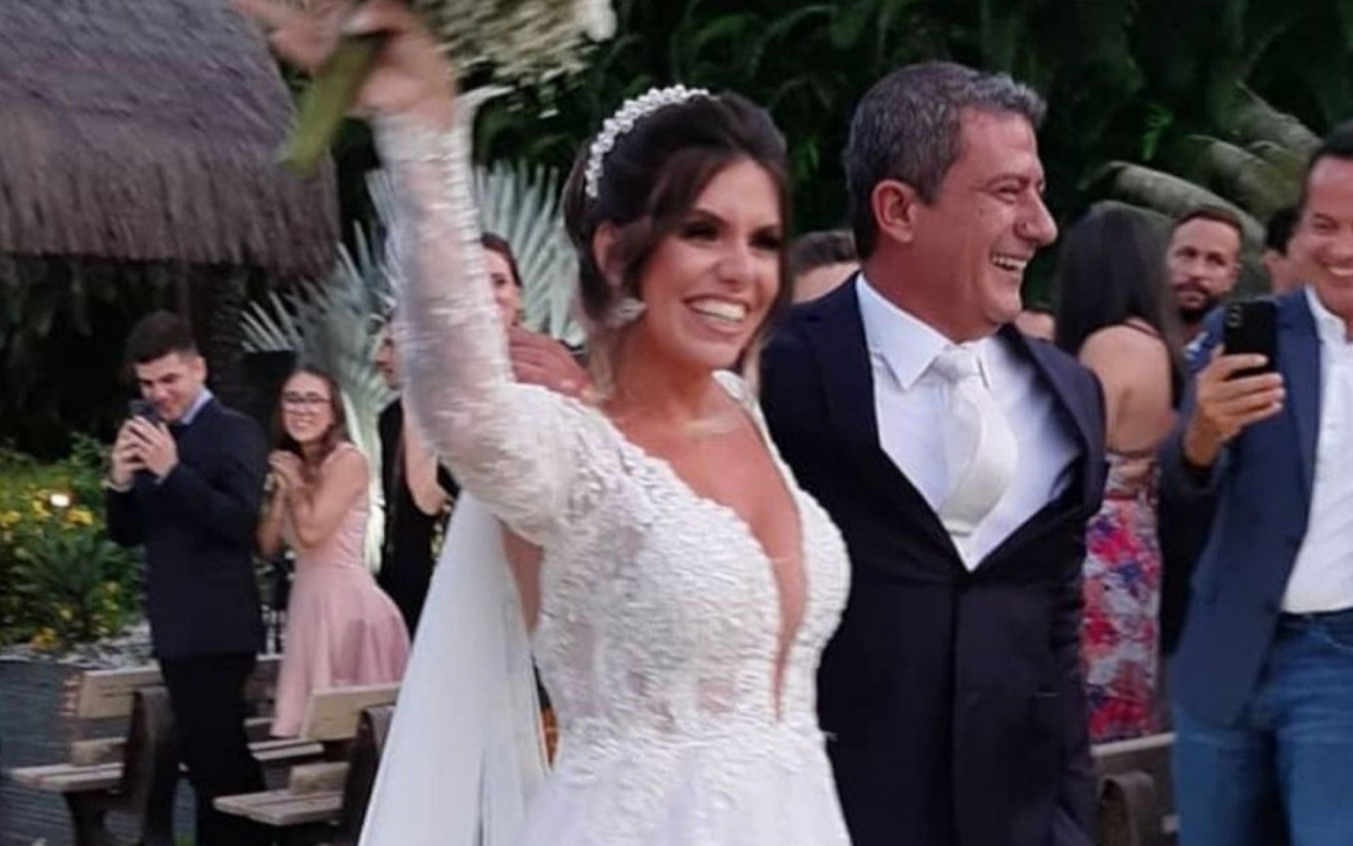 Tom Veiga e Cybelle Hermínio Costa casaram-se em janeiro deste ano