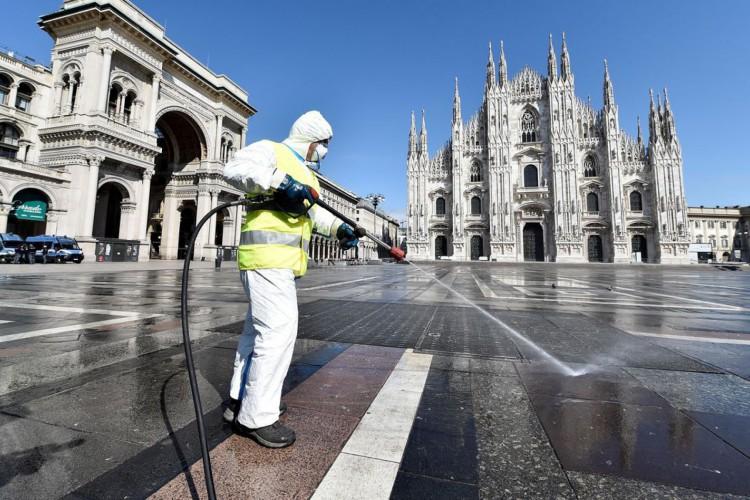 Itália endurece restrições para conter alta da covid-19 (Foto: )