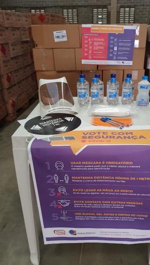 TRE-CE recebeu material na última semana (Foto: Divulgação/TRE-CE)