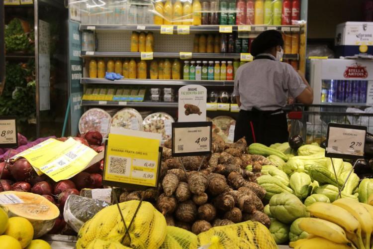 Alimentação e bebidas impactou alta de preços (Foto: Tânia Rêgo/Agência Brasil)