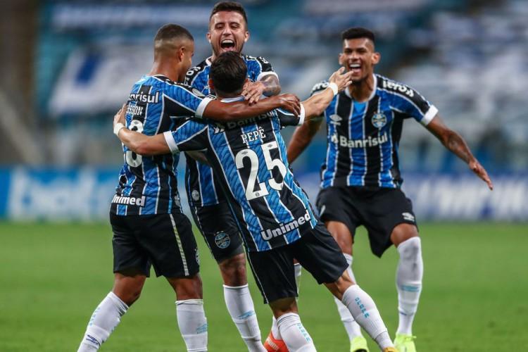 Brasileiro: Grêmio supera Botafogo em Porto Alegre (Foto: )