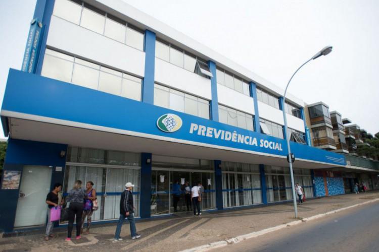 INSS tinha suspenso, desde março de 2020, a rotina de bloqueio de pagamento aos beneficiários que não realizaram a prova de vida  (Foto: Marcelo Camargo/ Agência Brasil)