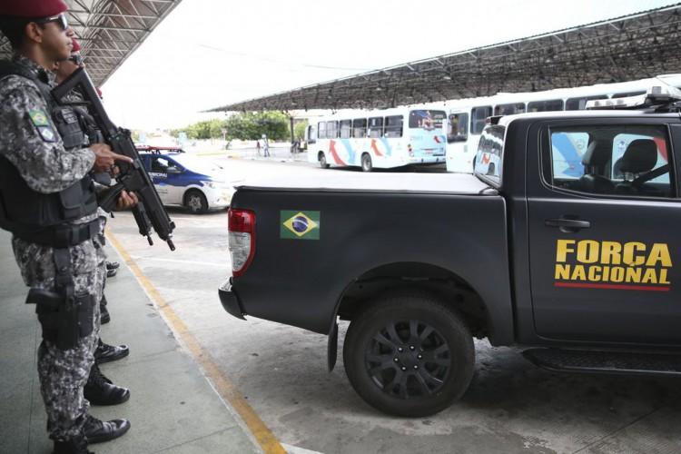 Após a série de ataques no Ceará, a Força Nacional de Segurança Pública está fazendo o policiamento ostensivo nas ruas de Fortaleza, em apoio aos agentes de segurança do estado. (Foto: José Cruz/Agência Brasil)