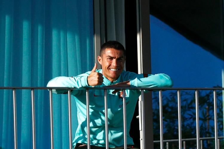 Após testar positivo para Covid-19, Cristiano Ronaldo cumpre isolamento em casa (Foto: AFP / Diogo PINTO)