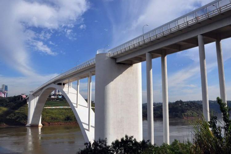 Ponte Internacional da Amizade (BR-277),Aduana de Foz do Iguaçu, Fronteira Brasil e Paraguai (Foto: Divulgação/DNIT)