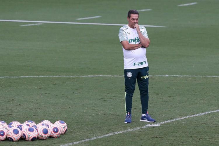 O técnico Vanderlei Luxemburgo, da SE Palmeiras, durante treinamento, na Academia de Futebol. (Foto: Cesar Greco)