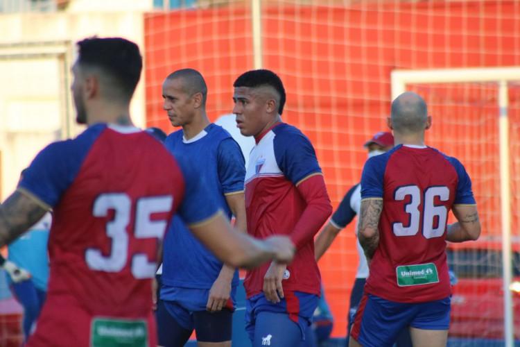 Fortaleza, 15/10/2020, Sede do Fortaleza | Atacante Bergson faz primeiro treino com o elenco como jogador do Tricolor (Foto: Dudu Oliveira / Fortaleza EC)
