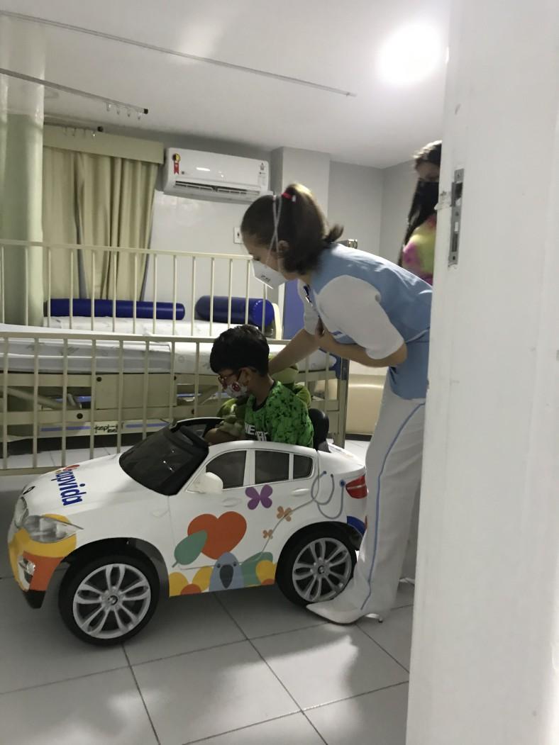 Atendimento com uso de carrinhos no Hospital Luís de França