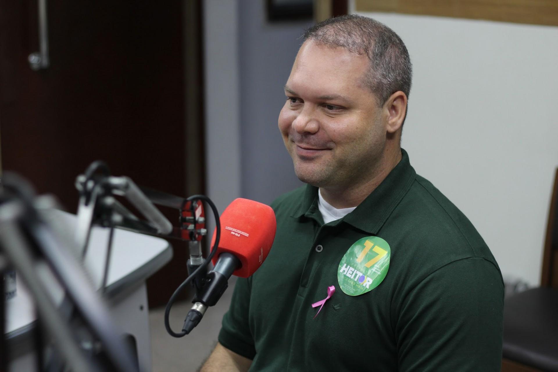 FORTALEZA, CE, Brasil. 16.10.2020: Sabatina do candidato, Heitor Freire (PSL), na Rádio O Povo. (Fotos: Deisa Garcêz/Especial para O Povo)