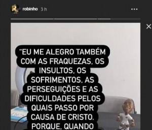 O jogador postou a foto de uma bíblia aberta e escreveu um versículo
