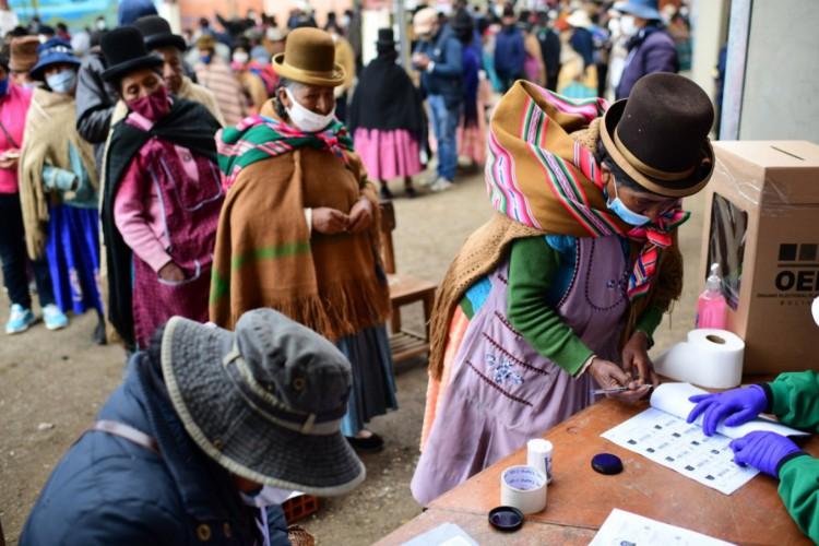 Eleições na Bolívia (Foto: Ronaldo SCHEMIDT / AFP)