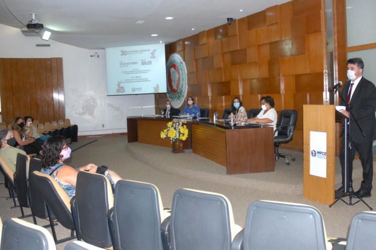 MPCE lança ação com 30 compromissos a serem cumpridos por futuros prefeitos focados em crianças e adolescentes (Foto: Divulgação MPCE)