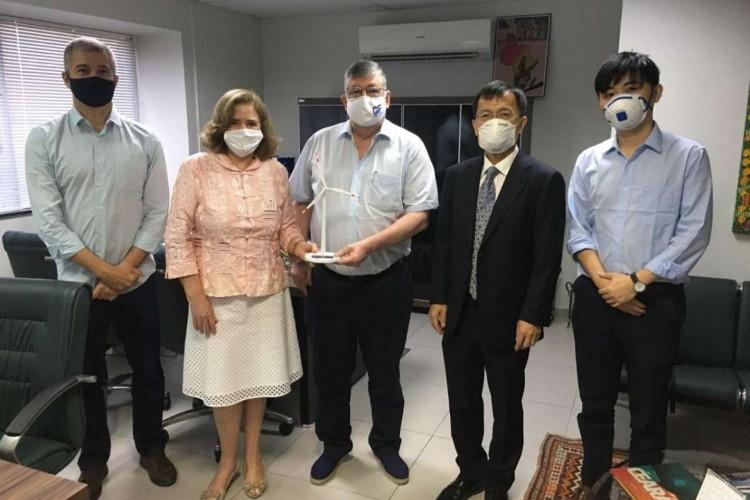 Representantes da empresa chinesa chegaram ao Ceará nesta tarde (Foto: Divulgação)