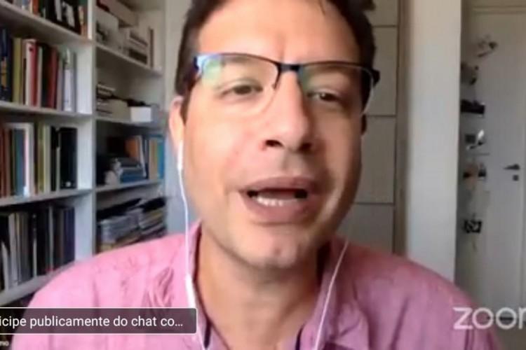 Renato Roseno em lançamento virtual do Manifesto de criação da Bancada da Renda Básica.  (Foto: Youtube)