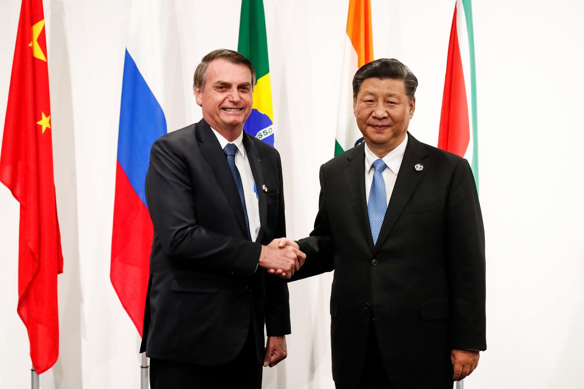 Jair Bolsonaro e o presidente chinês Xi Jinping durante encontro dos Brics
