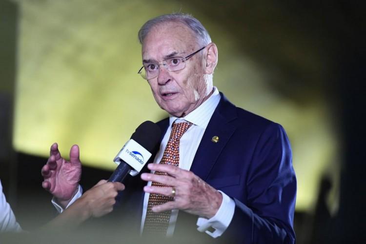 Senador tinha 83 anos e estava internado na UTI desde o dia 4 de outubro (Foto: Reprodução/Instagram)