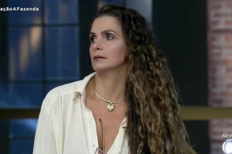 Luiza Ambiel foi a menos querida pelo público e se tornou a sexta eliminada de A Fazenda 2020 após roça com Mc Mirella e Mateus Carrieri em votação histórica  (Foto: Reprodução A Fazenda 2020)