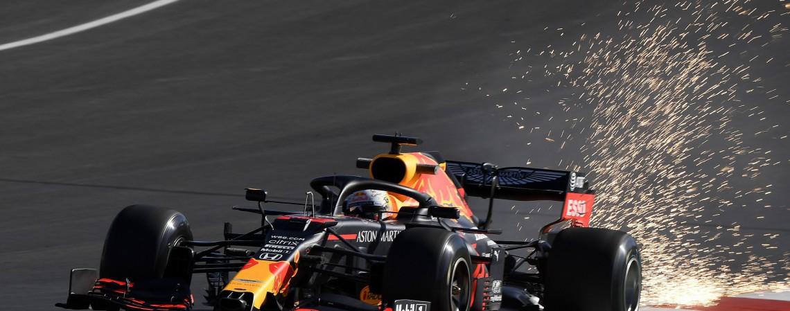 Max Verstappen e Lance Stroll bateram durante treino para o GP da Espanha de Fórmula 1 (Foto: JORGE GUERRERO / POOL / AFP)