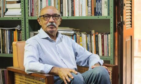 O professor Gilmar de Carvalho