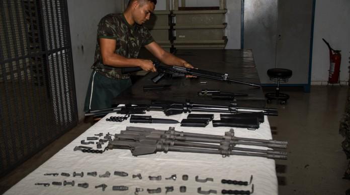 Tratamento de arma feito pelo Exército, que mantém sistema de registro de armas Sigma