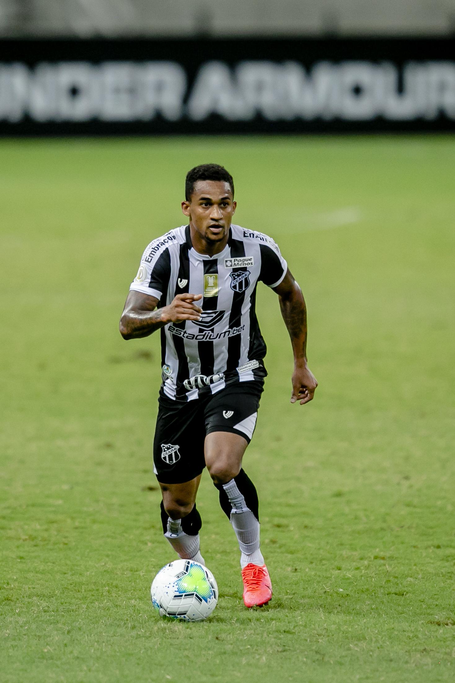 Autor do gol da vitória contra o Coritiba, Eduardo seguirá na vaga do contundido Samuel Xavier