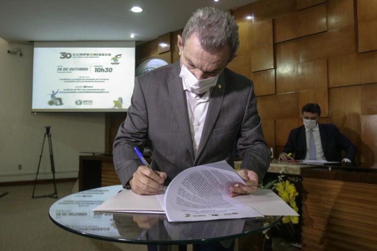 Prefeito de Fortaleza, José Sarto (PDT), anunciou nesta quarta-feira, 24, liberação do aumento no valor pago pelo programa Missão Infância, que estará disponível na sexta, 26 (Foto: Barbara Moira)